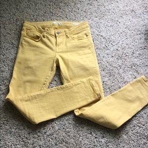 Guess Britney skinny jeans size 27 yellow